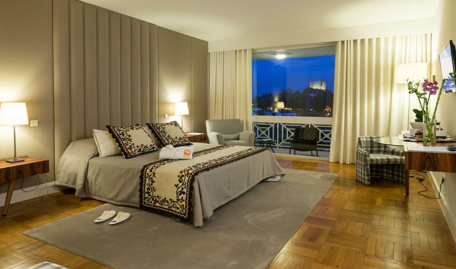 braganca-banner-rooms